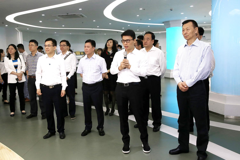 全国政协副主席陈晓光莅临拓斯达调研