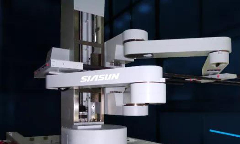 突破技術壁壘 國內首套柔性OLED機器人成功應用